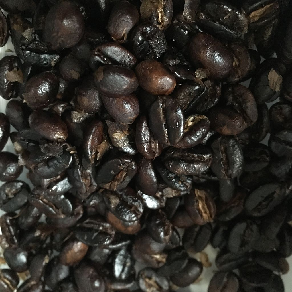 Roasted beans, sans chaff